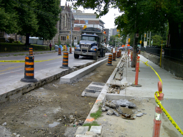 Sherbourne-cycle-track-construction