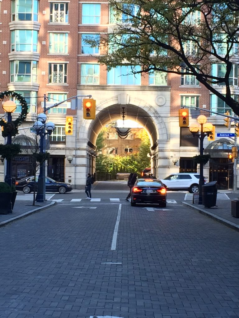 yorkville-ave-03